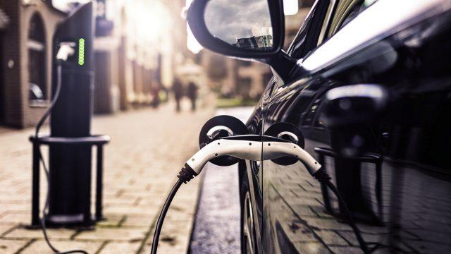 Bornes-pour-voitures-electrique